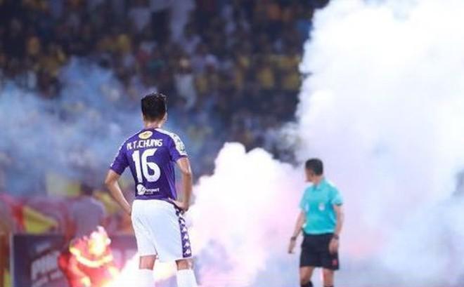 CLB Hà Nội sẽ bị 'treo' sân nhà hết V.League 2019, phạt 90 triệu