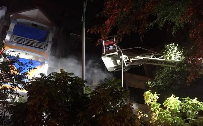 Cháy lớn tại ngôi nhà 3 tầng trong khu đô thị Xa La, gia đình 4 người thoát chết