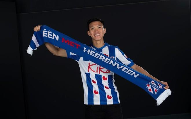 HLV Heerenveen thất vọng vì Văn Hậu không kịp sang Hà Lan đấu Ajax