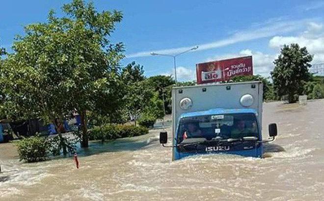 32 người thiệt mạng, hàng chục nghìn người phải sơ tán do mưa lũ tại Thái Lan