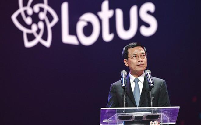 Bộ trưởng TTTT tại sự kiện ra mắt Lotus: 'Khi nghe anh Tân giới thiệu tôi thấy tại sao người Việt Nam không nghĩ rằng có nhiều Steve Jobs Việt Nam'