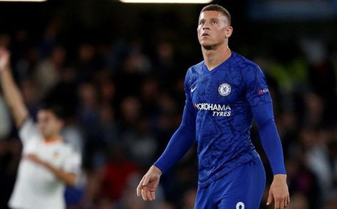 Cầu thủ Chelsea tranh nhau đá phạt đền, HLV Lampard nói gì?