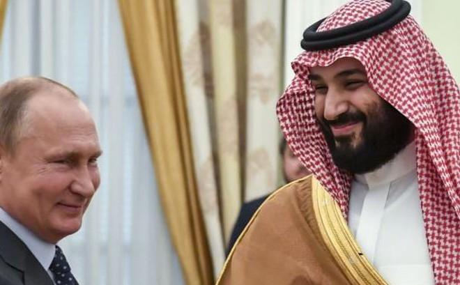 """Không cần Saudi Arabia mua S-400, ông Putin chỉ muốn nhắn nhủ: Rời bỏ Mỹ đi, hãy về với """"đội"""" của Nga?"""