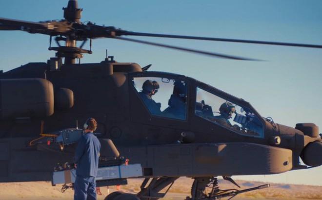 """Trực thăng AH-64E Apache của Mỹ khai hỏa, """"bản sao"""" tên lửa Pantsir Nga nổ tung"""