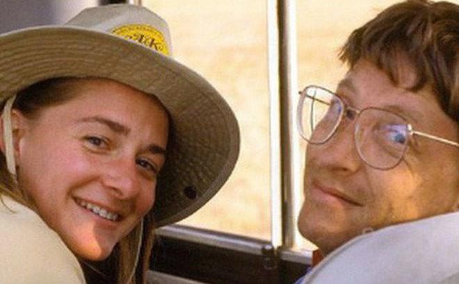 Bill Gates từng liệt kê chi tiết những cái 'được' và 'mất' trước khi lấy vợ, 25 năm sau thực tế chứng minh rằng ông 'đầu tư' chẳng lỗ chút nào!
