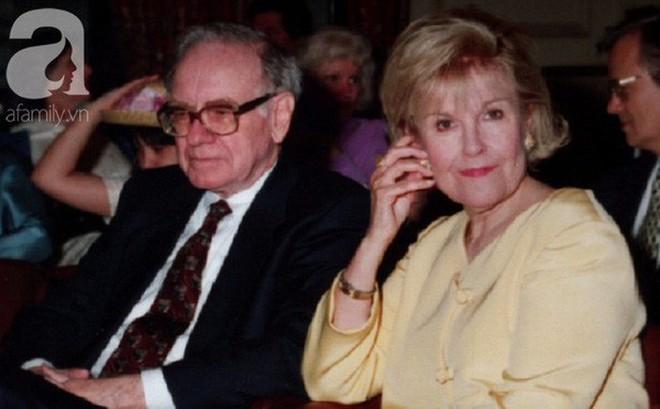 """Cuộc tình oái oăm của tỷ phú 80 triệu đô: Vợ tự """"dâng mỡ đến miệng mèo"""", chồng khẳng định """"cô ấy là người thầy vĩ đại nhất của tôi"""""""