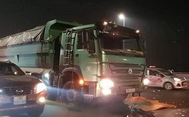 Nam thanh niên tử vong sau va chạm giao thông trên cầu Nhật Tân