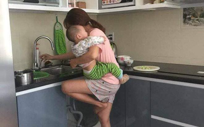 Chê vợ ở nhà chăm con nhỏ ''lười chảy thây'', ông chồng bị mẹ bỉm sữa dạy cho một bài học khiến cả nghìn chị em tán thưởng