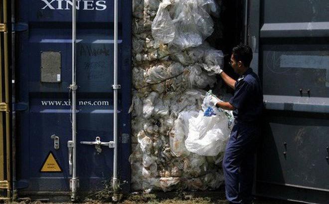 Mạnh tay tống khứ rác thải, Malaysia dính đòn hồi mã thương