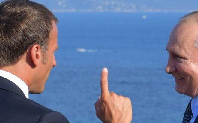 """Châu Âu """"nảy lửa"""" tranh cãi vì Nga: Bên muốn """"chủ hòa"""", bên kiên quyết """"chủ chiến"""""""