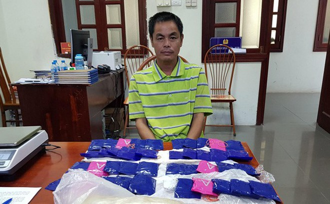 Bắt xe khách lên Điện Biên mua 1 bánh heroin và 14 nghìn viên ma túy