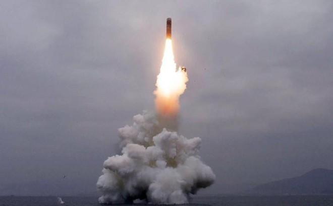 Những phỏng đoán về tàu ngầm và tên lửa của Triều Tiên sau vụ phóng ngày 2.10