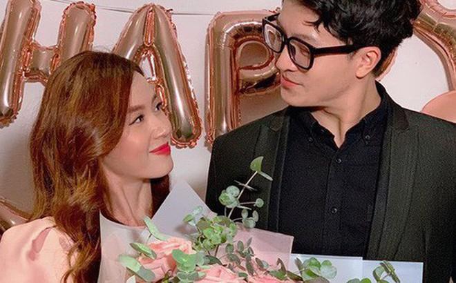 """Midu """"tình"""" hết mức bên Harry Lu trong tiệc mừng sinh nhật tuổi 30"""