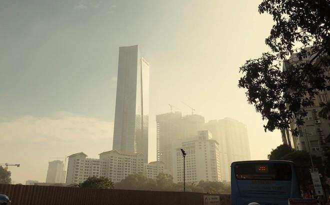 Không khí Hà Nội tái ô nhiễm vào sáng nay