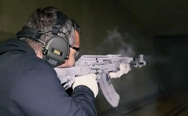 Súng AK Nga vẫn bắn lia lịa dù bị đóng băng âm 50 độ C