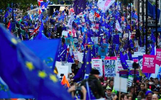'Rung chuyển' Quốc hội Anh đẩy Thủ tướng Boris Johnson và kỳ vọng Brexit vào ngõ cụt