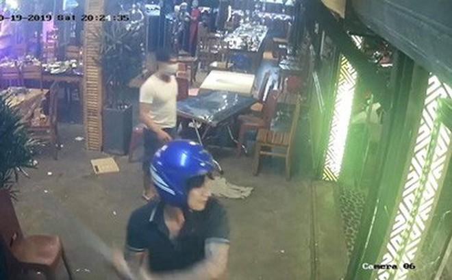 Truy tìm nhóm côn đồ bịt mặt xông vào nhà hàng đập phá