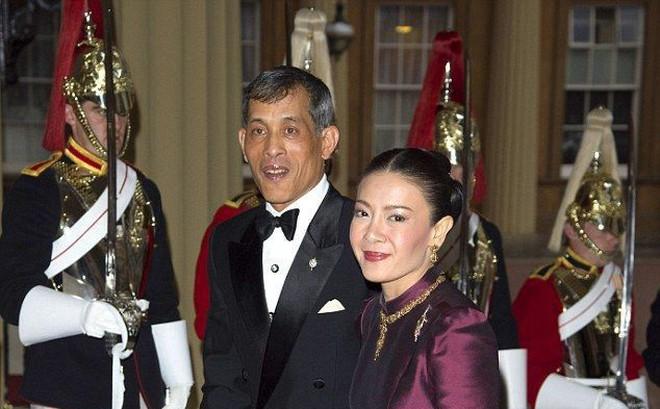 Trước Hoàng quý phi, vợ cũ của Quốc vương Thái Lan cũng rơi vào hoàn cảnh tương tự và có kết cục không thể bi đát hơn
