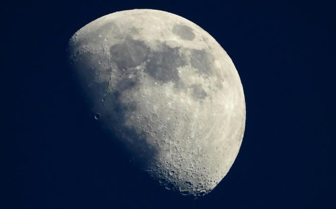 NASA lên kế hoạch gửi robot tìm kiếm nước trên Mặt Trăng