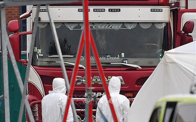 Vụ 39 thi thể trong xe tải: Nhiều người dân Anh cầu nguyện cho các nạn nhân