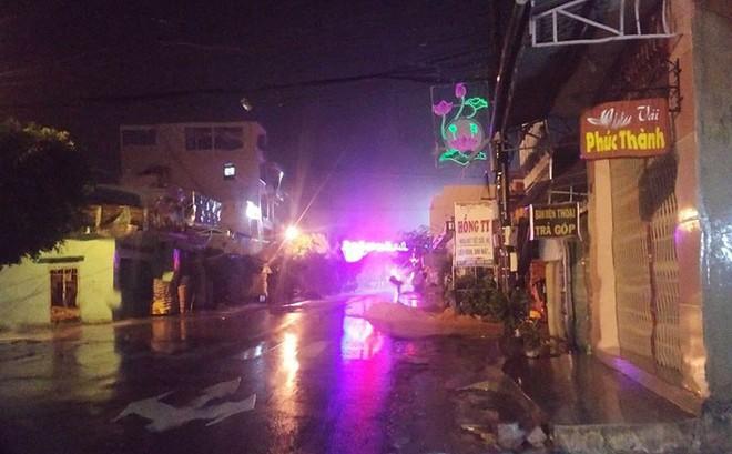 Bão số 5 đang đổ vào Phú Yên