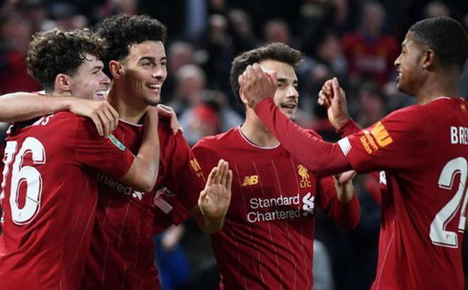 Liverpool giành quyền vào tứ kết Cúp Liên đoàn Anh theo một kịch bản không tưởng