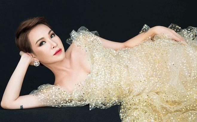 """Uyên Linh: """"Ai từng yêu tôi không thể quên cách tôi đã yêu họ"""""""