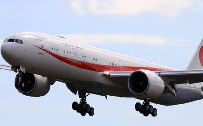 Cháy trên máy bay chở thủ tướng Nhật đi họp ASEAN