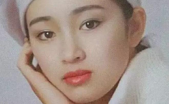 """Nhìn lại loạt ảnh tuổi 20 của Củng Lợi, người từng được giới báo chí quốc tế ưu ái gọi là """"người phụ nữ đẹp nhất phương Đông"""""""