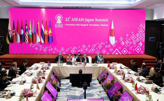 Thủ tướng Abe ủng hộ lập trường của ASEAN về Biển Đông