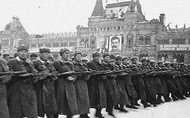 Những người lính Việt Nam trong hàng ngũ duyệt binh huyền thoại năm 1941