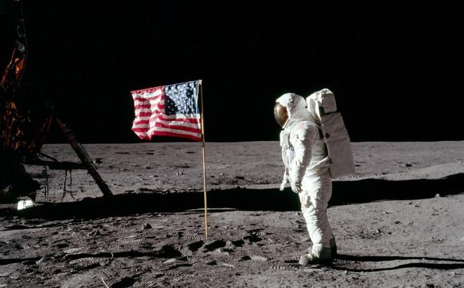 NASA lần đầu mở kho mẫu vật lấy từ Mặt Trăng cách đây hơn 40 năm