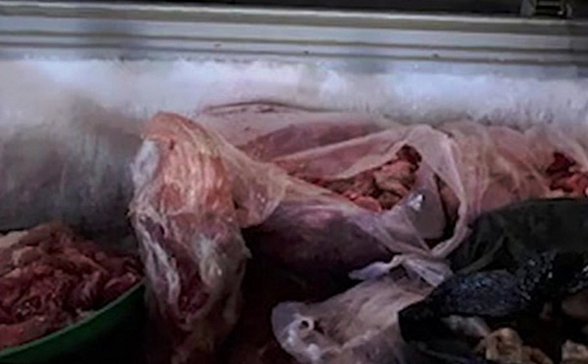 """""""Hô biến"""" thịt heo thối thành... thịt bò: Người tiêu dùng thiệt hại kép"""