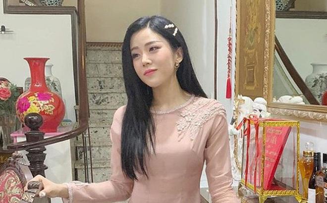 Hình ảnh hiếm hoi của em gái Ông Cao Thắng trong siêu đám cưới: Trang điểm nhẹ, diện áo dài nhã nhặn vẫn tuyệt đối xinh đẹp