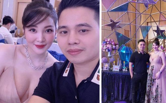 """""""Cô dâu 200 cây vàng"""" ở Nam Định rạng ngời, tự tin diện áo khoét cổ sâu gợi cảm bất chấp bầu bí"""