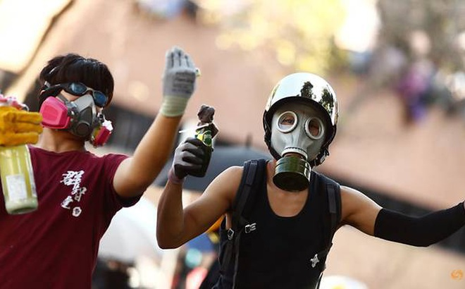 Tòa án Hong Kong ra phán quyết lệnh cấm đeo mặt nạ là vi hiến