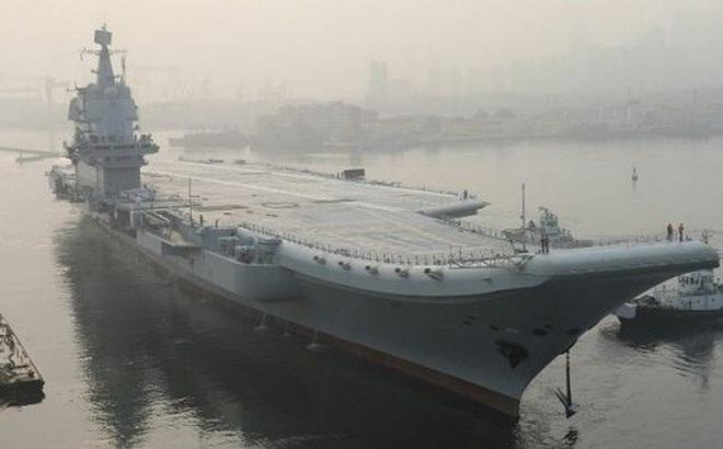 Vừa kêu gọi Mỹ ngừng 'khoe cơ bắp', Trung Quốc đưa tàu sân bay vào Biển Đông tập trận