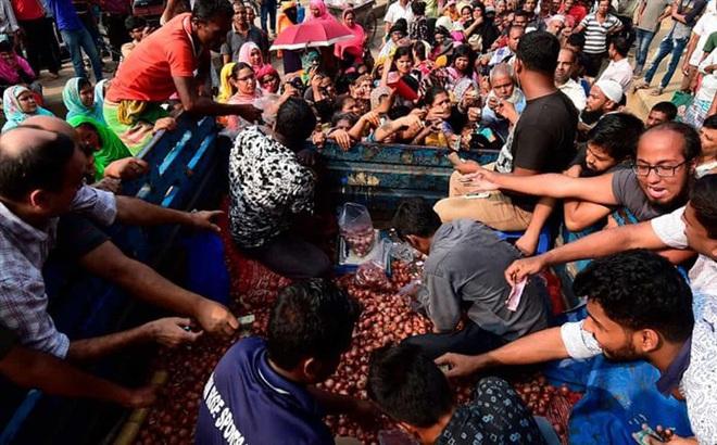 Giá hành tăng phi mã, Thủ tướng Bangladesh ngừng dùng hành để nấu ăn
