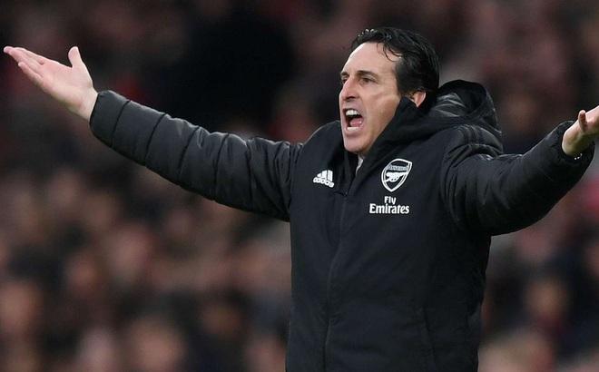 Arsenal hút chết trước Southampton, HLV Emery lâm nguy