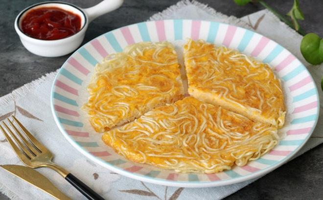 Chỉ một chút biến tấu từ món mì gói đơn giản sẽ thành món ngon lạ cho bữa sáng siêu hấp dẫn