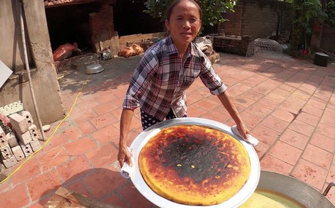 """Lại thất bại trong màn làm đồ ăn """"siêu to khổng lồ"""", bà Tân nhanh chóng chữa cháy để """"cứu"""" chiếc bánh khoai"""