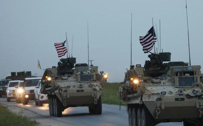 """Quân đội Mỹ hành động """"bất thường"""" chỉ cách căn cứ quân sự Nga ở Syria 3 km"""