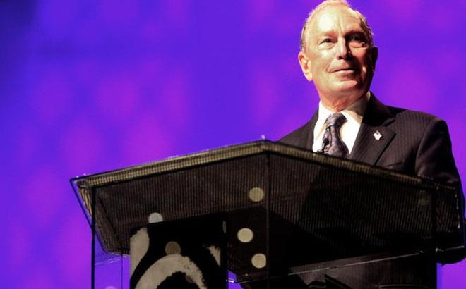 """Trở thành đối thủ mới """"đáng gờm"""" của TT Trump, tỉ phú Michael Bloomberg là ai?"""