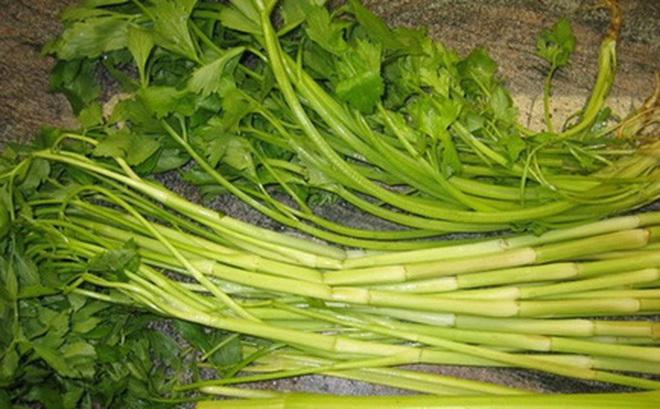 Hiểm họa khôn lường nếu ăn rau cần chưa được nấu chín