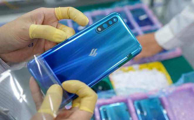 Giảm mạnh giá bán Vsmart Live, tỷ phú Phạm Nhật Vượng muốn 'đấu' trực diện với các hãng smartphone ngoại?