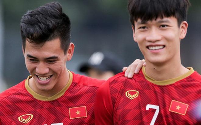 BTC SEA Games 30 sai sót: Cả đội U22 Việt Nam cùng nặng 70 kg, Quang Hải cao bằng Tiến Linh