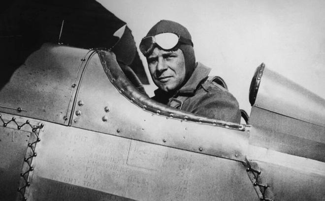 Phi công huyền thoại Mỹ dẫn đầu cuộc giội bom phục thù Nhật Bản