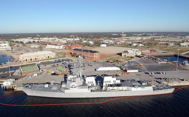 Nổ súng ở căn cứ hải quân của Mỹ, nhiều người bị thương