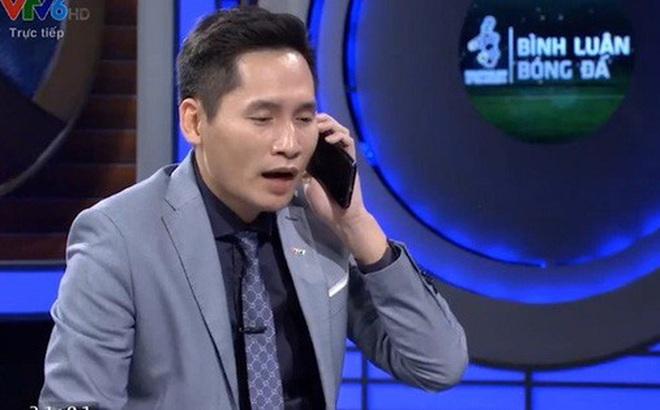 """BTV Quốc Khánh xin lỗi thủ môn Bùi Tiến Dũng sau khi """"giả vờ gọi Đặng Văn Lâm"""""""