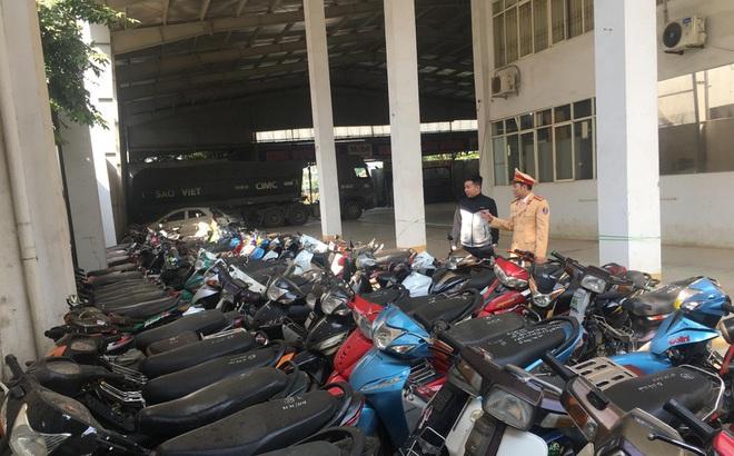 Hơn 100 quái xế 'đi bão' đêm bị bắt giữ